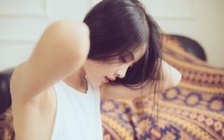 气质长发美女性感迷人私房壁纸