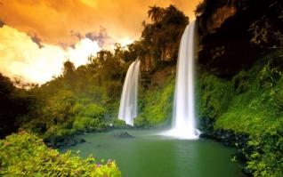 唯美瀑布自然风光壁纸