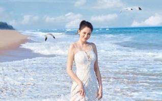 魅力女星陈乔因海边写真壁纸